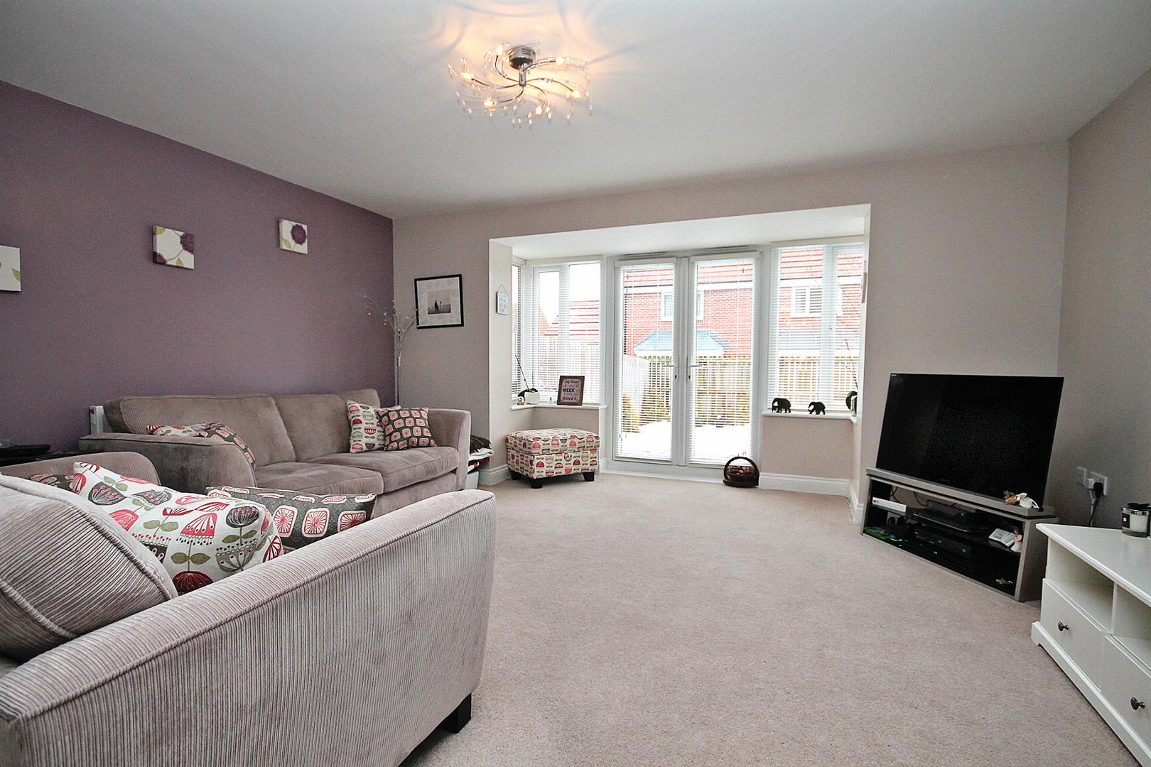 4 Bedrooms Town House for sale in Harvey Avenue, Framwellgate Moor, Durham